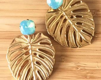 Boucles d'oreilles vert Eva eau / menthe.  Swarovski Crystal et Adam nervure feuille / Philodendron. Goujon de végétal, chic, nature