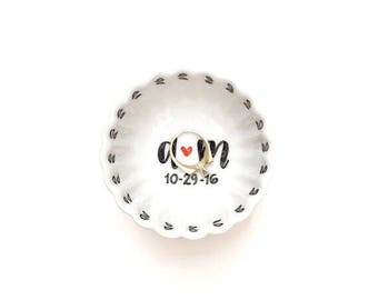 Wedding ring holder, ring holder dish, engagement ring holder, wedding ring holder, personalized ring dish, personalized engagement gift