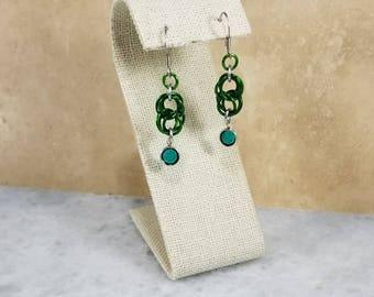 Figure 8 Chainmaille Earrings - Silver & Green Swarovski