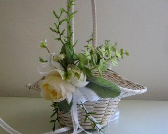 Flower Girl Basket, White Wicker Basket, Rustic Wedding, Easter Basket, White Woven Basket, Vintage Basket, Flower Basket, Small Basket