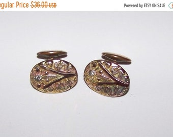 ON SALE Beautiful VINTAGE Cuff Links Multi Color Gold With Stone Bean-Back
