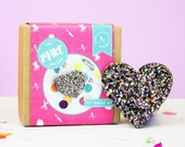heart pin, party favours, favours, jewellery making- craft supplies, pin badge, valentine's gifts, galentines day, pin game, gifts for her