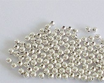 100 of 925 Sterling Silver Seed Beads 2 mm. :th0224m