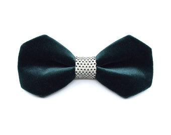 Frozen Velvet Collection-bow tie dark green-white | Black spots