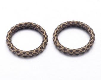 2 rings hammered bronze 24 mm