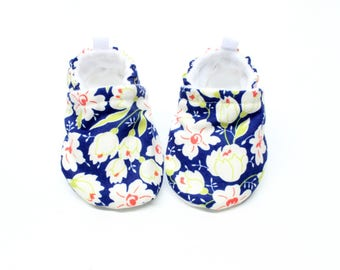 Midnight bloom baby shoes - Baby shoes, Pre walker, soft sole, crib shoes, baby booties, baby moccs, baby girl shoes