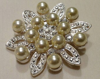 Vintage Faux Pearls CRYSTALS Silver Brooch, Perlas, Sweater Pin, Hat Pin, Lapel Pin 5931-3