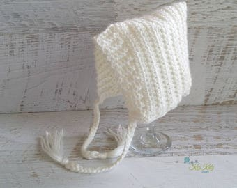 Cream/Off White Vintage Hand Crochet Knitted Newborn Baby Pixie Bonnet Beanie Hat Photo Prop