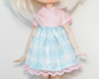 Blythe pink and blue dress