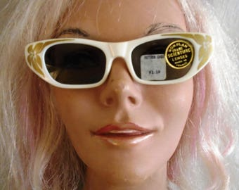 Vintage 1950s Sunglasses Gold and White Cateyes Deadstock NWT Made in France