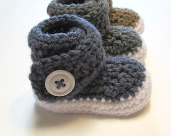 Crochet baby boy booties.  Ankle boots for baby boys.  Crochet booties kiks shoes crib shoes.  Gender reveal boy.
