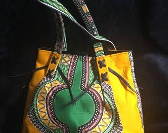 Dashiki handle handbag