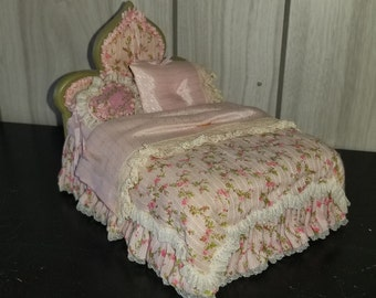 Dollhouse miniatures 1/12 scale bed