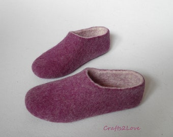 Womens wool felted slippers Felt raspberry slippers Woolen crimson slippers House shoes Women warm bedroom slippers Made to order