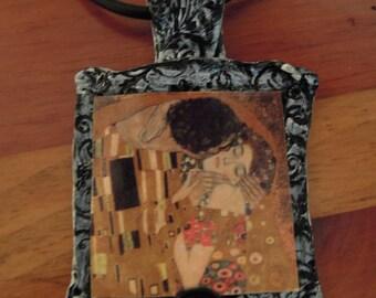THE KISS , Artisan Clay Pendant, Gustav Klimt Artwork,Famous Paintings Jewelry