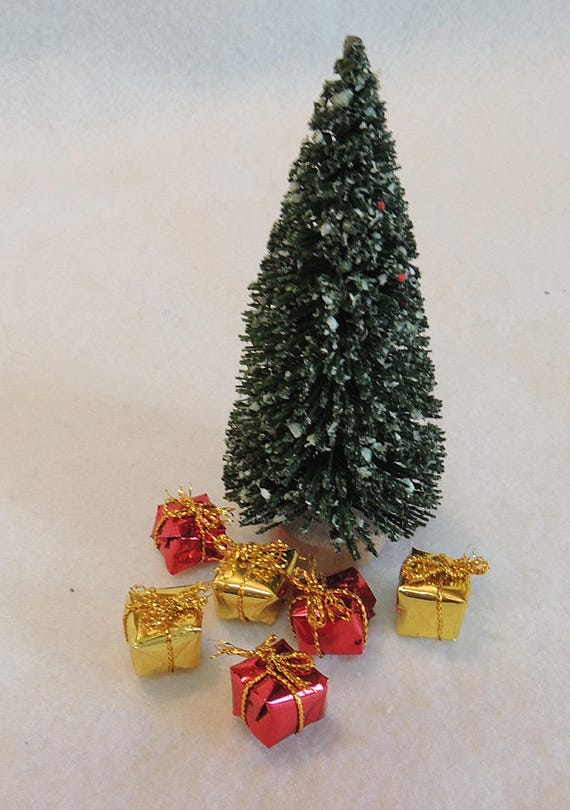 """Vintage Miniature Dollhouse 4"""" Brush Christmas Tree With Wrapped Gifts"""