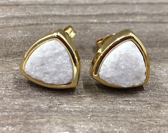 Sparkly White Agate Druzy Triangle Bezel Earring, 10mm Agate Druzy Stud Earring, Gold Agate Drusy Druzzy Jewelry Charm Earring For Women