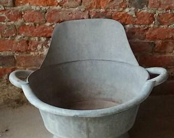 Bath tub, bath seat made of zinc metal bathtub /Antique