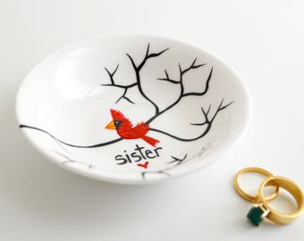 Personalized Christmas Gift for Sisters, Painted Ring Dish - Personalized Cardinal Dish, Red Birds, Personalized Jewelry Dish, FREE SHIPPING