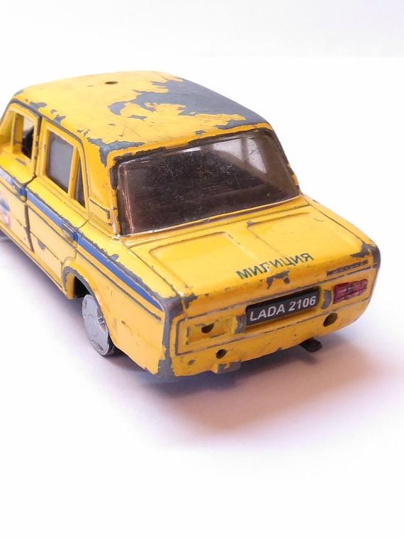 Yellow LADA 2106 Rare Copy Collector Car VAZ 2106 Soviet Car Soviet Police  AUTOTIME Collection Car Model Diesel Car Police Car Vintage