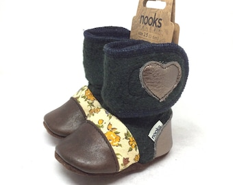 """Nooks Design felted lambswool booties/slippers, Size 2.5 (0-6 months) / 4"""" length"""