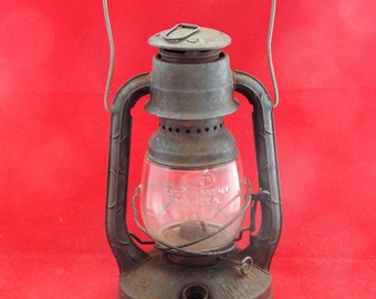DIETZ LITTLE WIZARD Barn Lantern.
