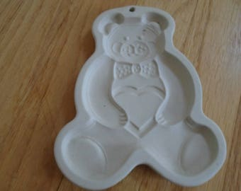 SALE     Pampered Chef Teddy Bear  cookie mold 1991
