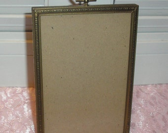 "Vintage;Ornate Metal wit Glass Picture Frame 3.5""x5"""