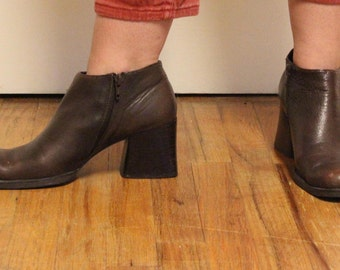 Vintage Kenneth Cole 90s Brown Leather Ankle Boots-Size 8
