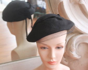 Vintage 1950s Black Wool Toque Hat