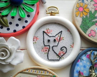 Embroidered Black Cat Animal Hoop Art - Hand Stitched Modern Kitty Cat Outline Embroidery - Vintage Rose Fabric Animal Wall Art Holiday Gift