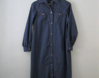 Vintage 80s shirt dress / denim blue chambray shirt dress / Copper button chambray dress