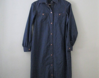 Vintage 80s shirt dress / denim blue chambray shirt dress / Copper button chambray dress