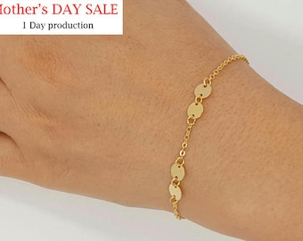Tiny Initial Four Disk Bracelet Charm initial Bracelet,  Personalized simple bracelet, Choice Initial or Number, Jewelry gift for Women
