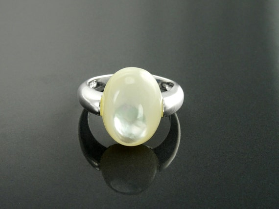 Designer Oval Pearl Ring, Sterling Silver, White Mother of Pearl, Unique Minimalist Setting Jewelry Cabochon, Original Wedding Promise Ring