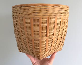 Vintage Woven Rattan Basket Planter / Rattan Basket / Rattan Planter / Woven Planter / Woven Basket / Rattan Plant Holder