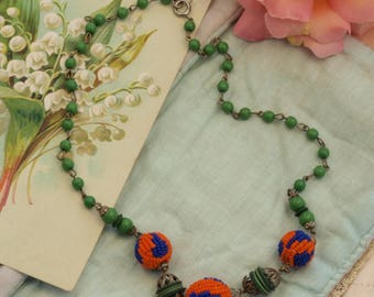 Vintage Art Deco beaded necklace.