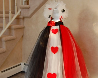 Queen of Hearts inspired tutu dress. Crocheted red and black