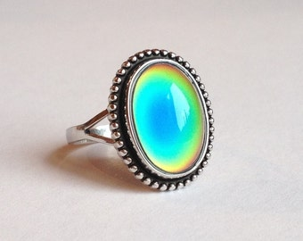 Sterling Silver 925 Mood Ring  14x10 mm color changing liquid crystal