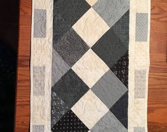 Snowman Pieced and Quilted Table Runner