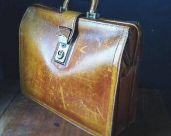 Vintage Honey Brown Leather Satchel