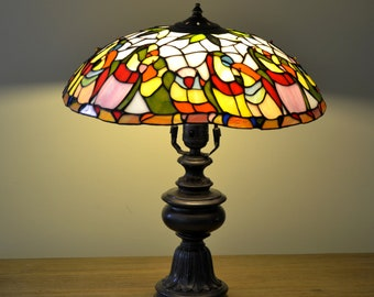 Parrots Tiffany lamp. Stained glass lamp. Stained glass desk lamp. Tiffany light. Stained glass bird.Stain glass art.Colorful glass lighting