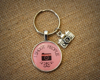 I SHOOT PEOPLE Keychain with Camera