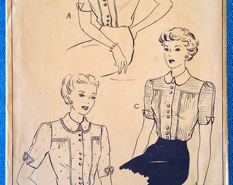 "Rare vintage 1940's blouse with unusual buttoning - sewing pattern - Style 4647 - size 32"" bust, 26"" waist - 1940s"