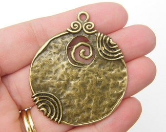 1 Pendant antique bronze tone BC40