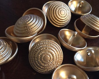 20 mm geometric pattern metal shank button in gold color, set of 10