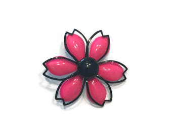 Shocking Pink and Black Flower Brooch, 1960s Enamel Flower Brooch, Mod Flower Pin, Flower Power Brooch, Costume Jewelry