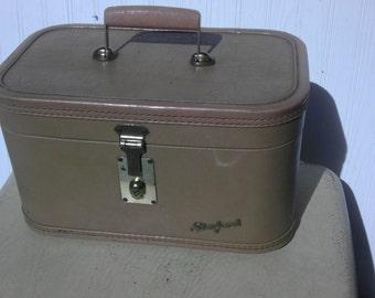 Vintage Train Case Luggage suitcase Mirror Starfrost Brown Overnight Storage Holder Hollywood Regency Brass Hardware Wedding Decoration