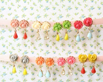 Flower Stud earrings, Flower studs, Flower jewelry, Rose studs, Tiny studs, Vintage style, Rose earrings, Dainty studs, Bridesmaids Earrings