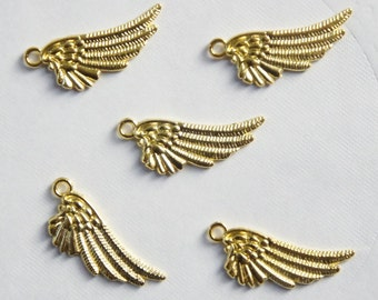 Gold Tone Feather Charms (5pcs)